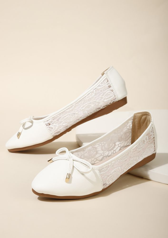 THE DELICATE DARLING WHITE BALLET FLATS