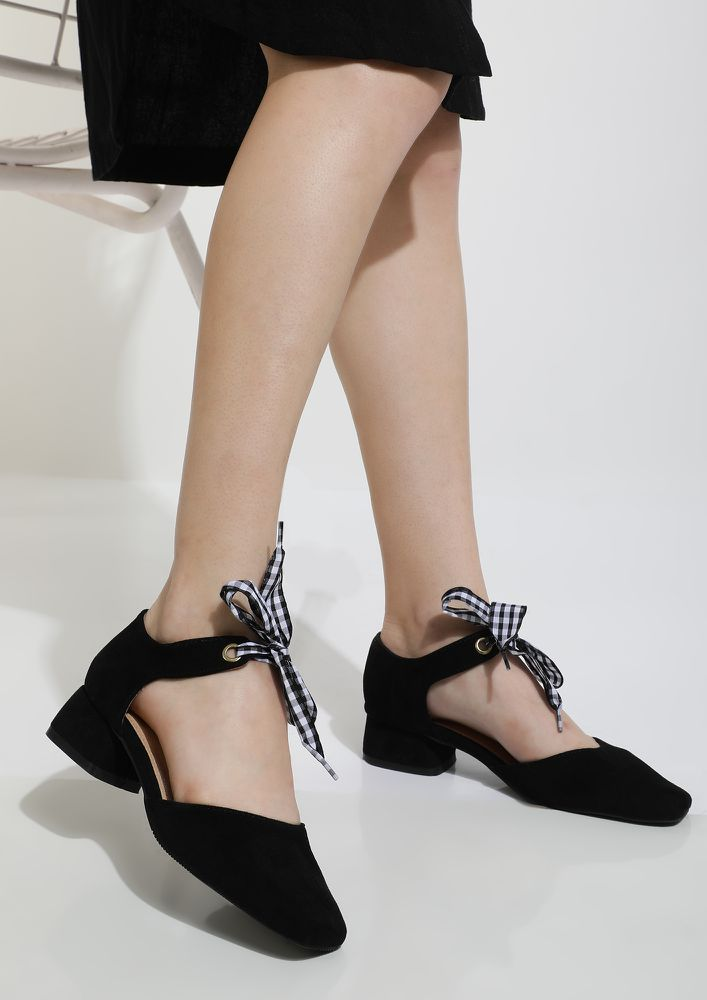 TIE ME A BOW BLACK HEELED SHOES
