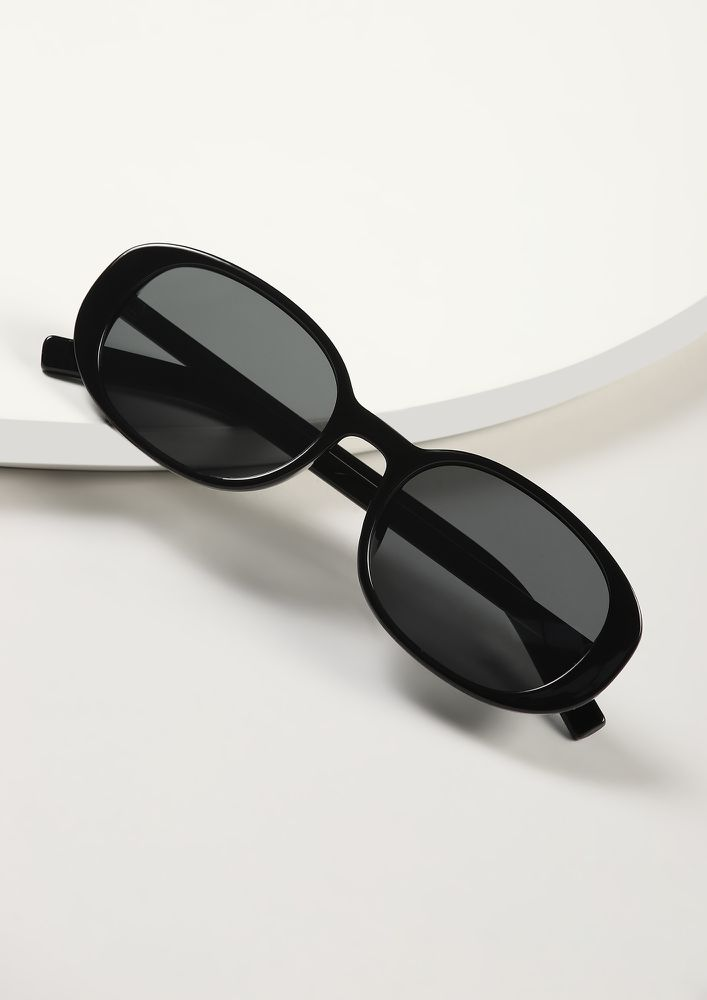 MAKING A COMEBACK BLACK GREY RETRO SUNGLASSES
