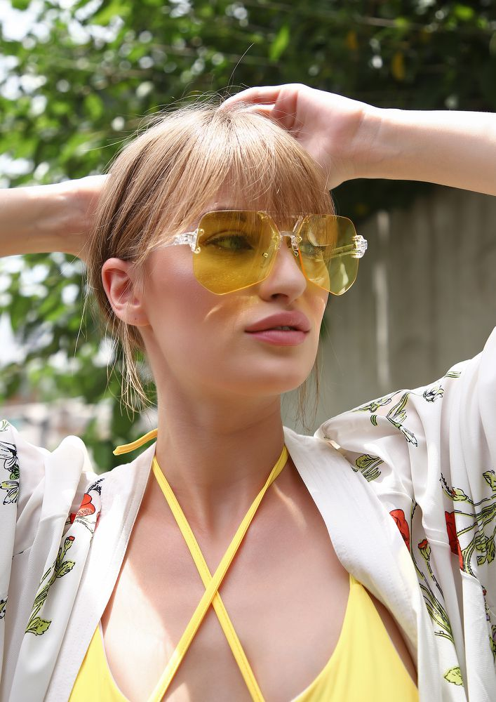 BRIGHT AS DAY YELLOW RETRO SUNGLASSES