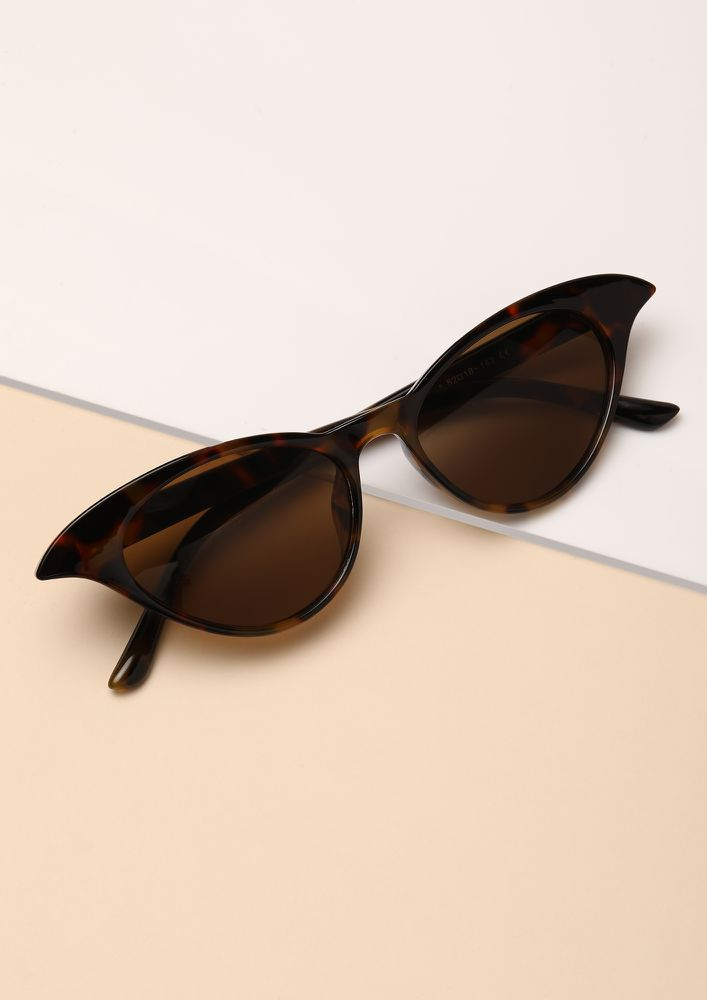 THE CLASSY MINIMALIST AMBER BROWN CATEYE SUNGLASSES