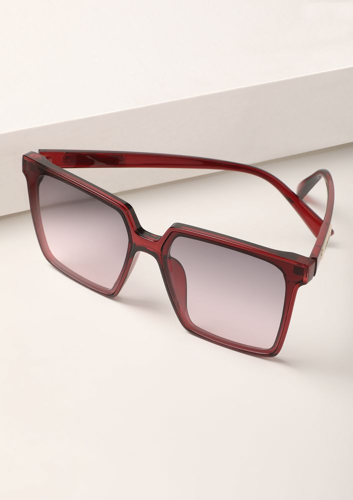 THE CLEAN AND CLASSY RED WAYFARERS