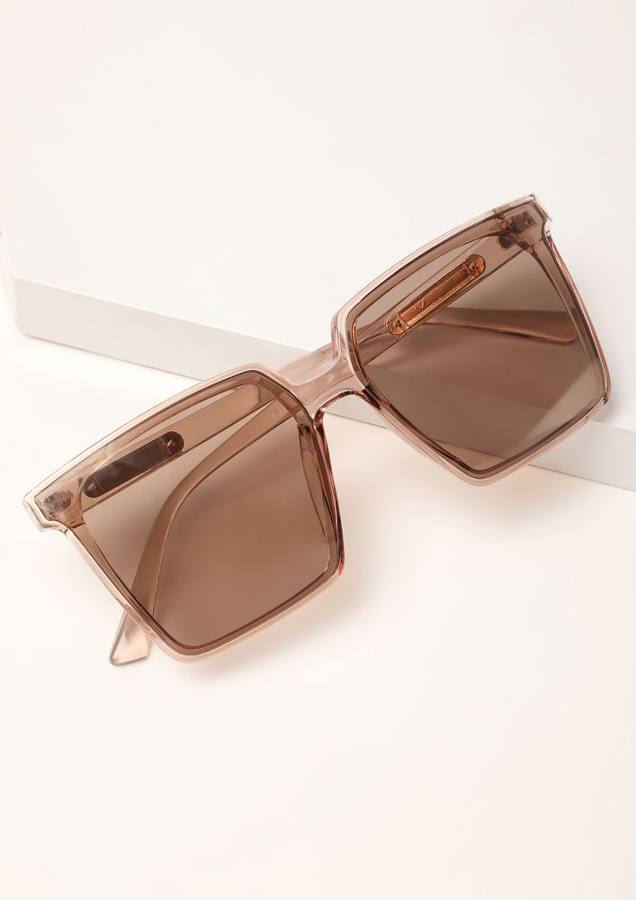 THE CLEAN AND CLASSY TEA BROWN WAYFARERS