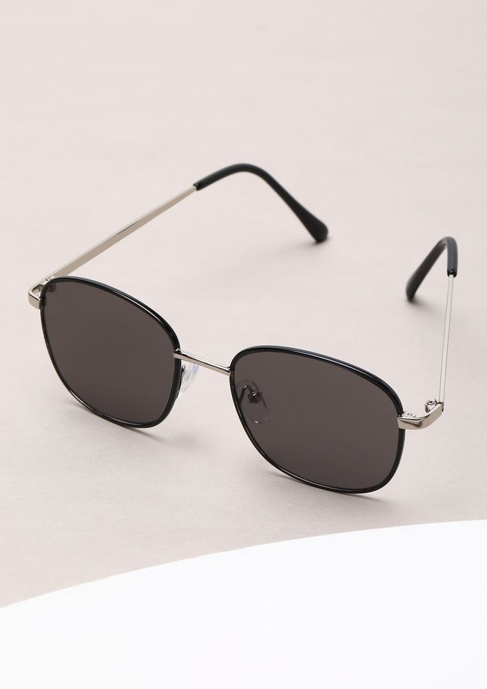 CHIC AND CLEAN LINES BLACK AVIATORS