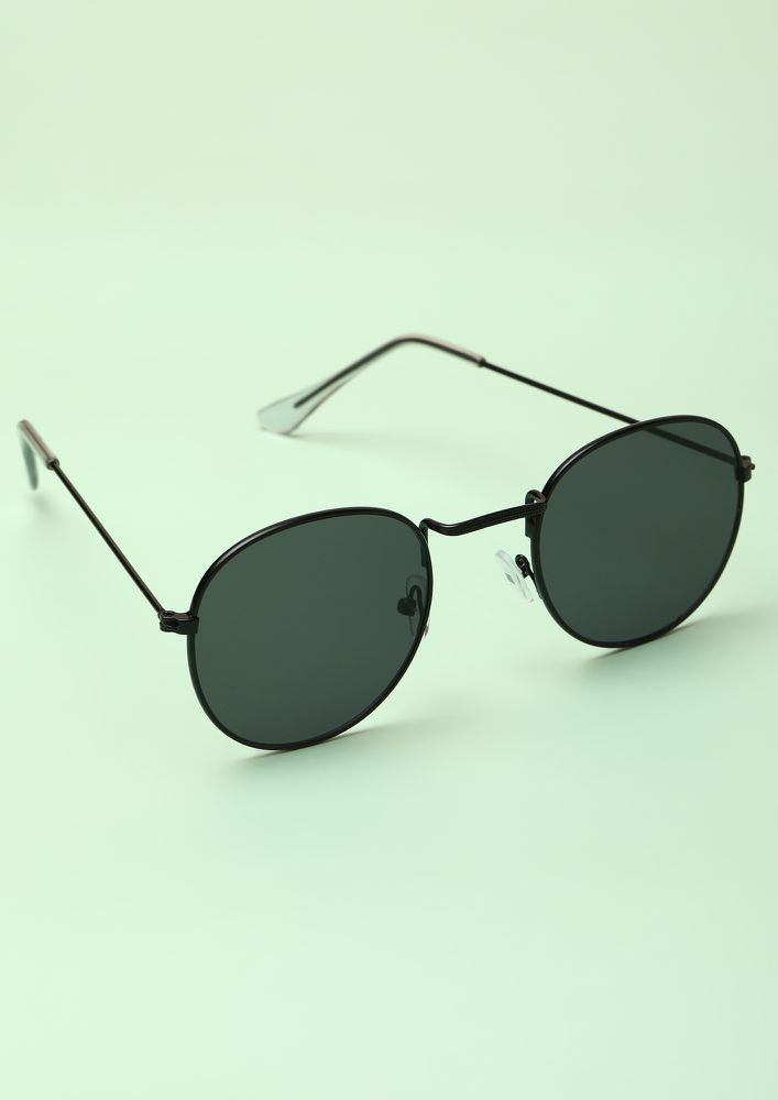 BASIC BITCH BLACK WAYFARERS