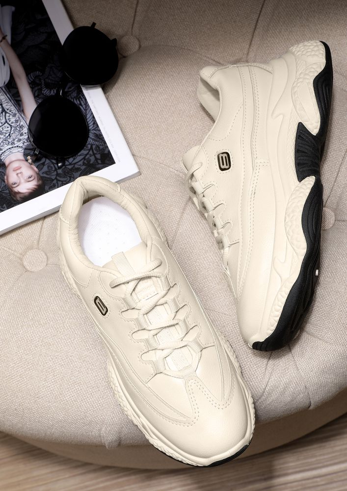 HIGH END SPORTY BEIGE TRAINERS