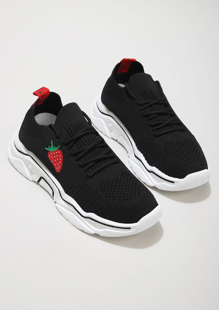 STRAWBERRY ON TOP BLACK TRAINERS