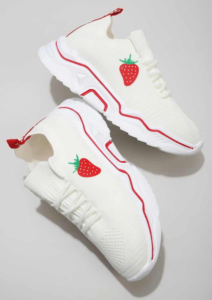 STRAWBERRY ON TOP WHITE TRAINERS