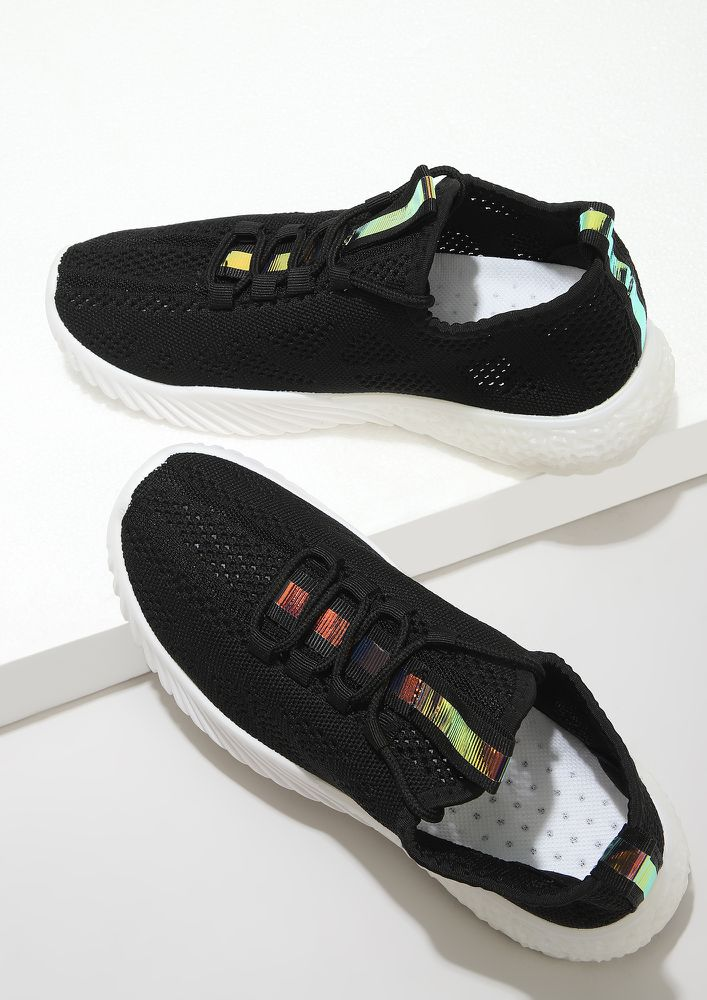 PERFORMANCE CROCHET BLACK TRAINERS