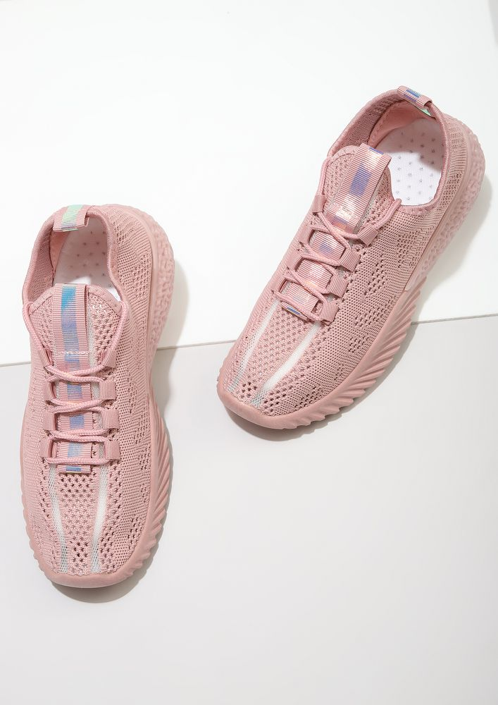 PERFORMANCE CROCHET PINK TRAINERS