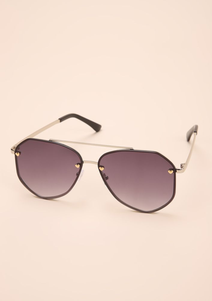 PLAY ALL THE ANGLES SILVER RETRO SUNGLASSES