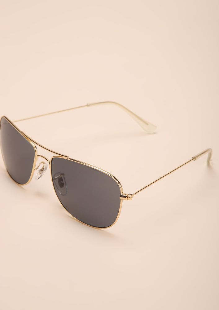 CALL OF DUTY GOLD WAYFARERS
