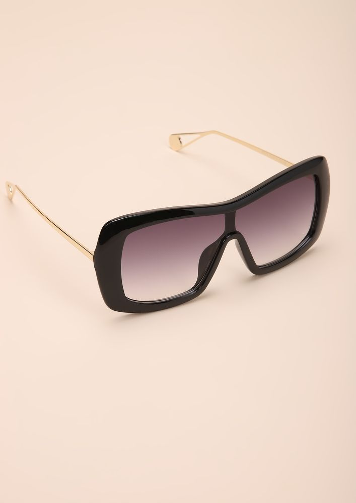 FLAMIN HOT BLACK WAYFARERS