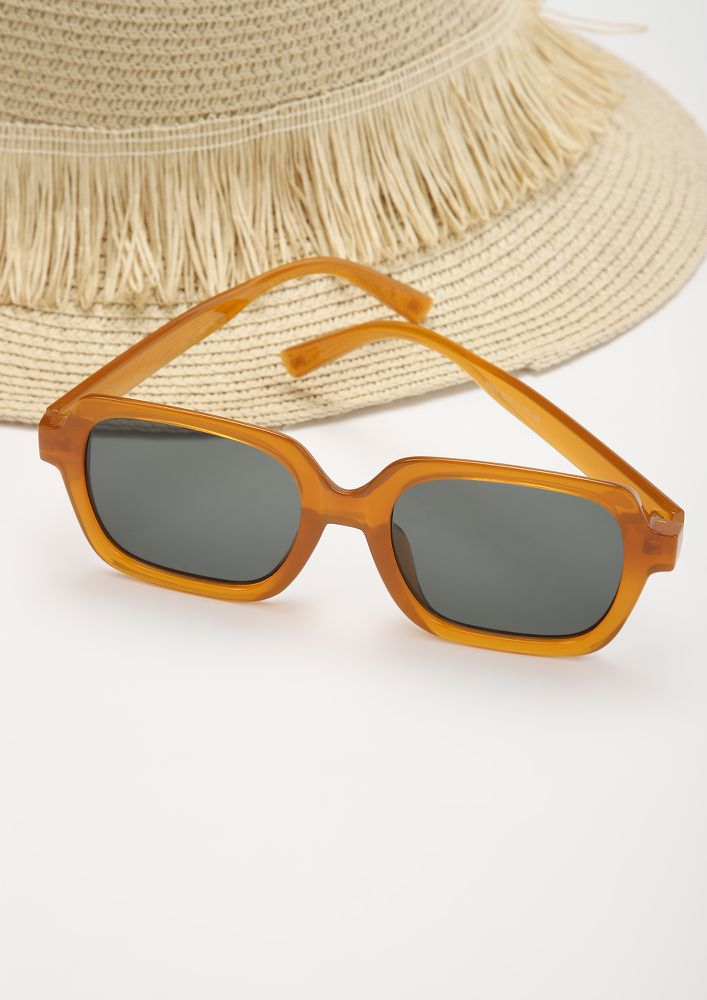 COMFORTABLY BASIC ORANGE SQUARE FRAME SUNGLASSES
