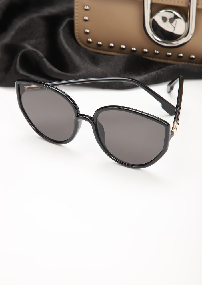 SO PURREAL BLACK CATEYE SUNGLASSES