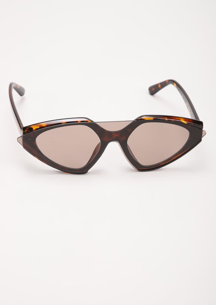 ONE GLASS TO RULE 'EM ALL AMBER RETRO SUNGLASSES