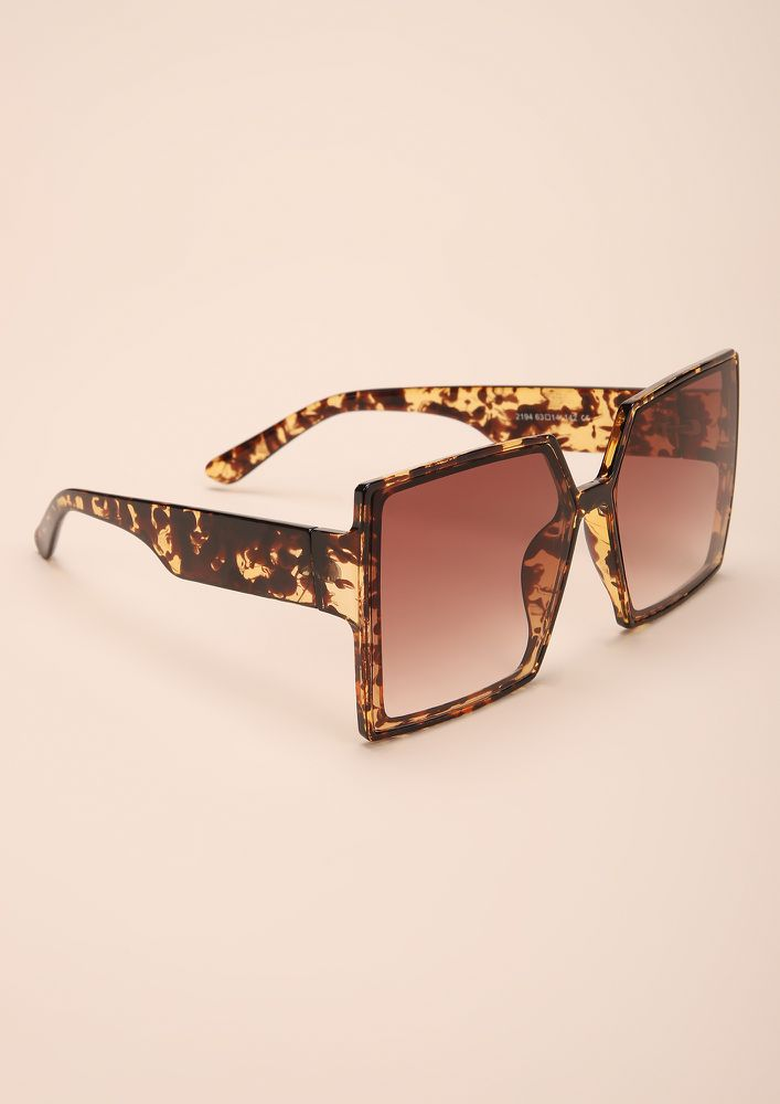 OVER-SIZED IT ALL AMBER SQUARE FRAME SUNGLASSES