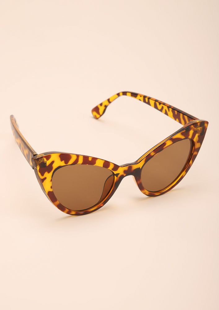 PURR IT UP AMBER CATEYE SUNGLASSES