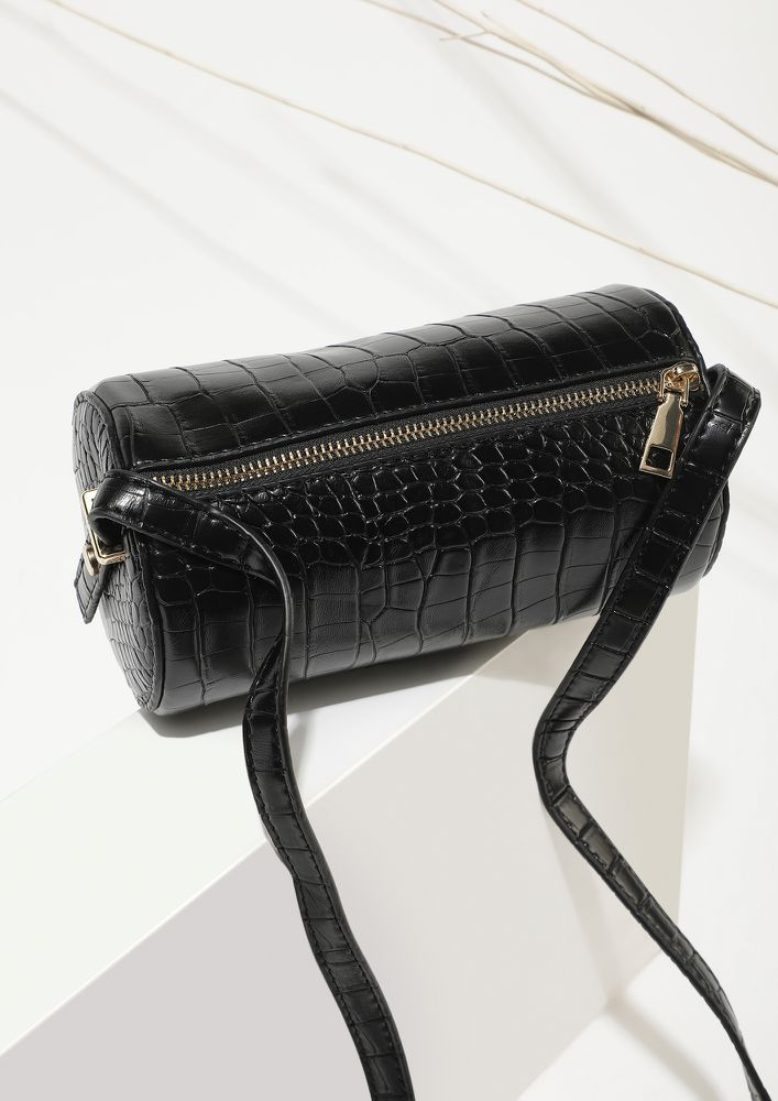 TIME TO CROC IT UP BLACK BUCKET BAG
