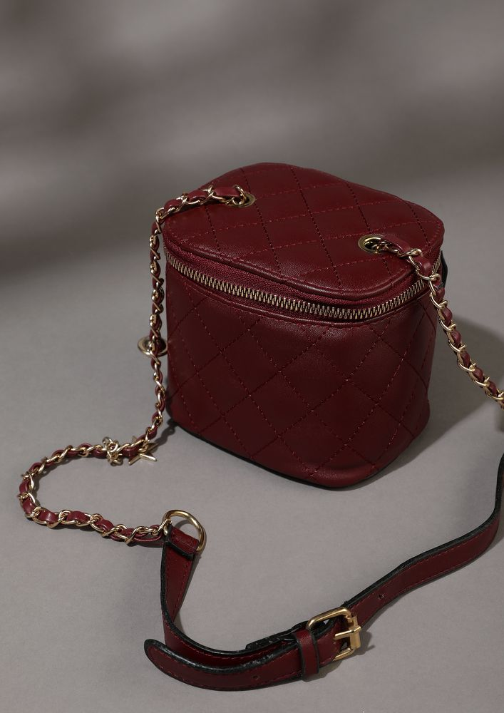 WE DON'T STRAY WINE RED BUCKET BAG