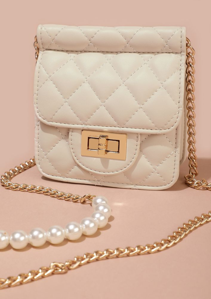 CLASSY IN A QUILT WHITE SLING BAG