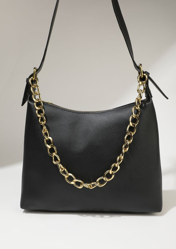IMMENSELY SMART BLACK HOBO HANDBAG