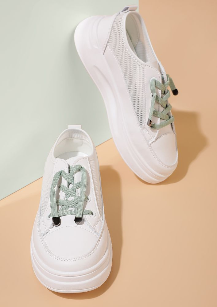ESSENTIAL BASICS GREEN TRAINERS
