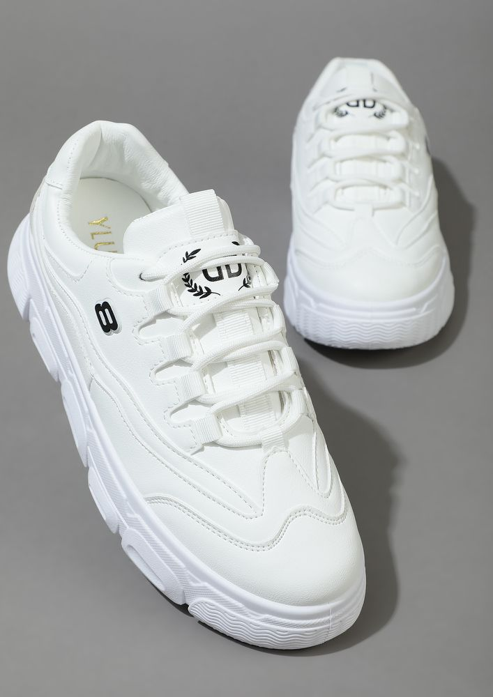 I'M AN 8 WHITE TRAINERS
