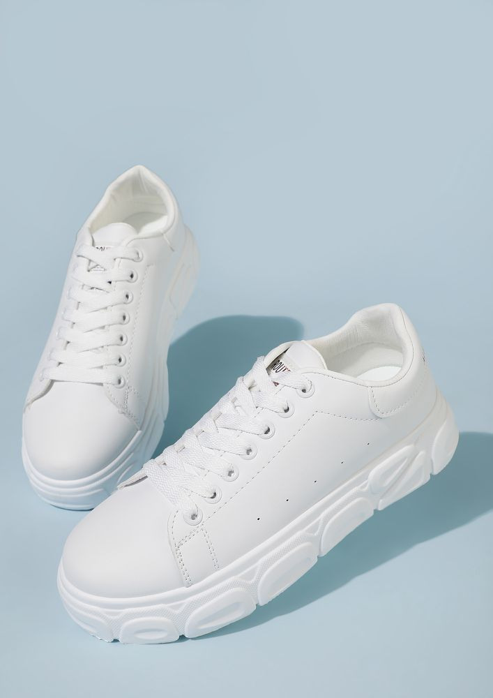 BACK IN THE DAYS WHITE TRAINERS