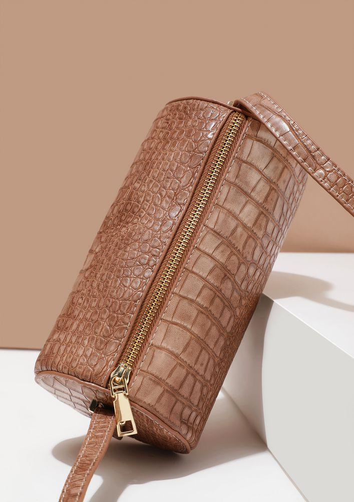 TIME TO CROC IT UP PINK BUCKET BAG