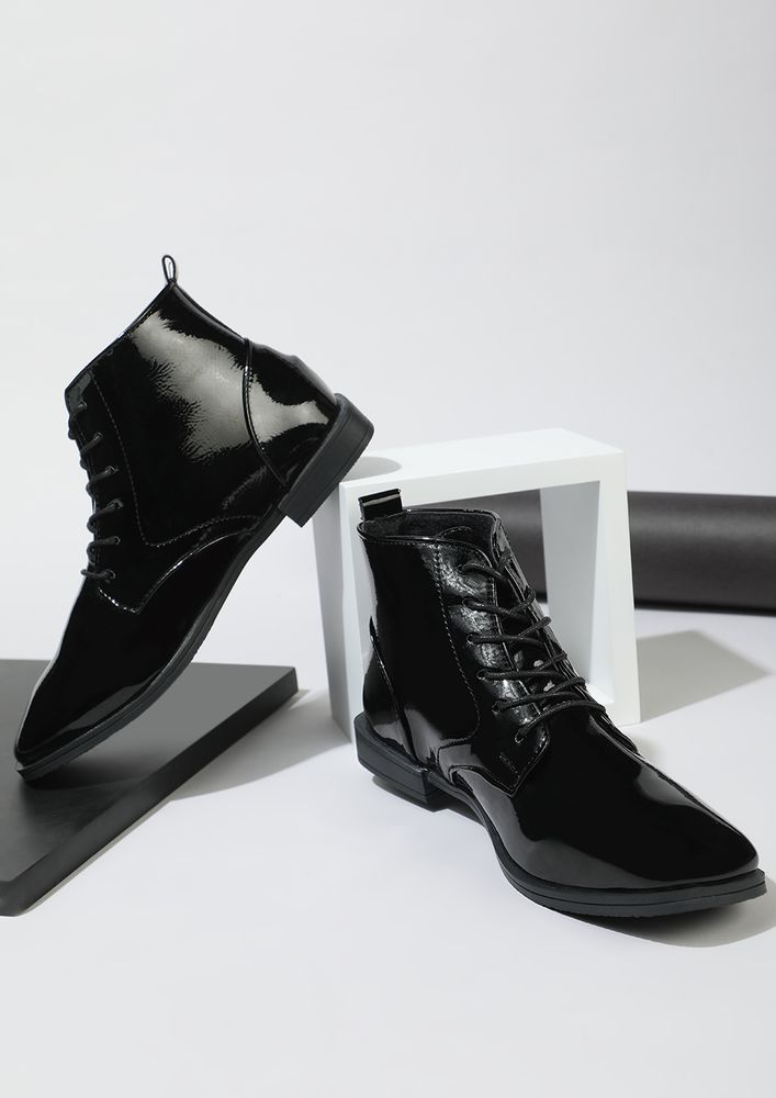 DAPPER IN EVERY WAY BLACK ANKLE BOOTS