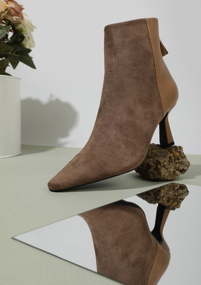 A DUAL APPROACH BROWN ANKLE BOOTS