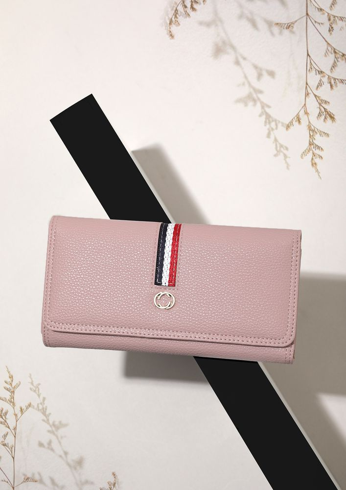 HEARTING IT ALL THE WAY BLACK WALLET