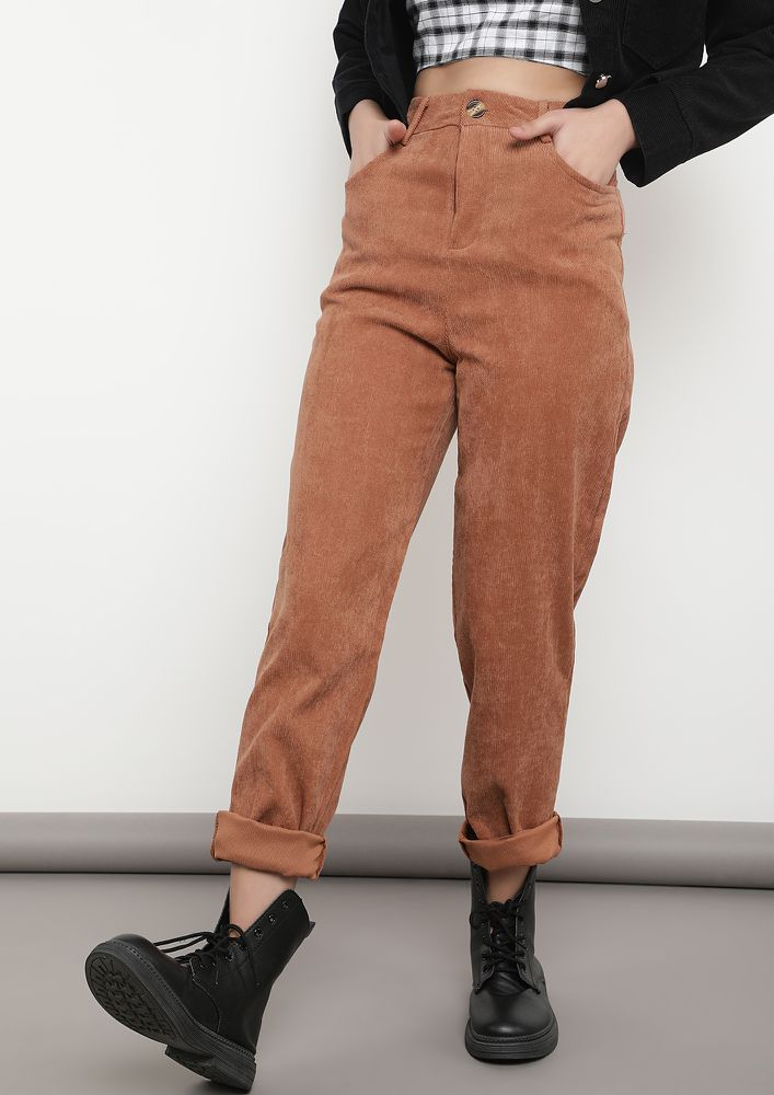 BLENDING SMART WITH CASUAL TAN TROUSERS
