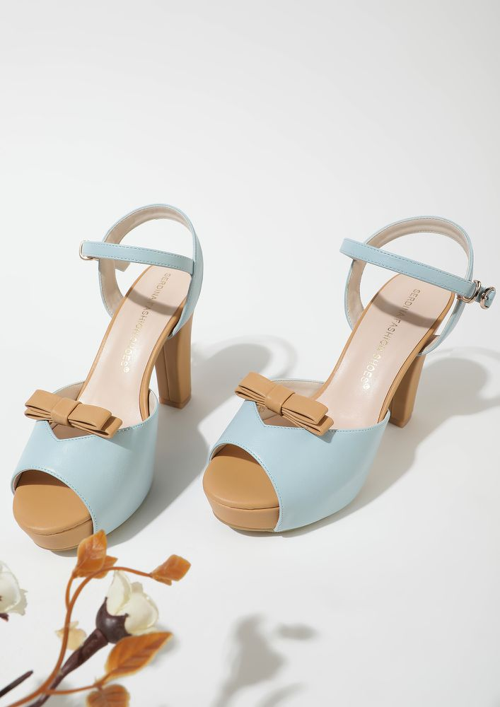BRUNCHING TOGETHER BLUE PEEP TOES