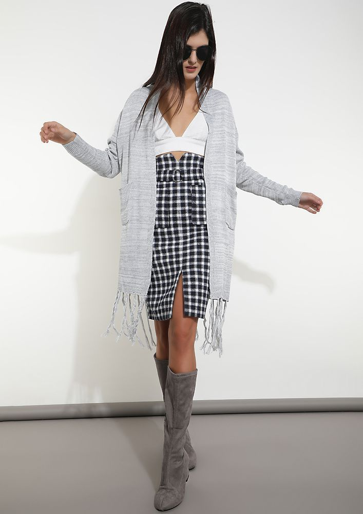 FRINGE ZONED GREY KNITTED SHRUG