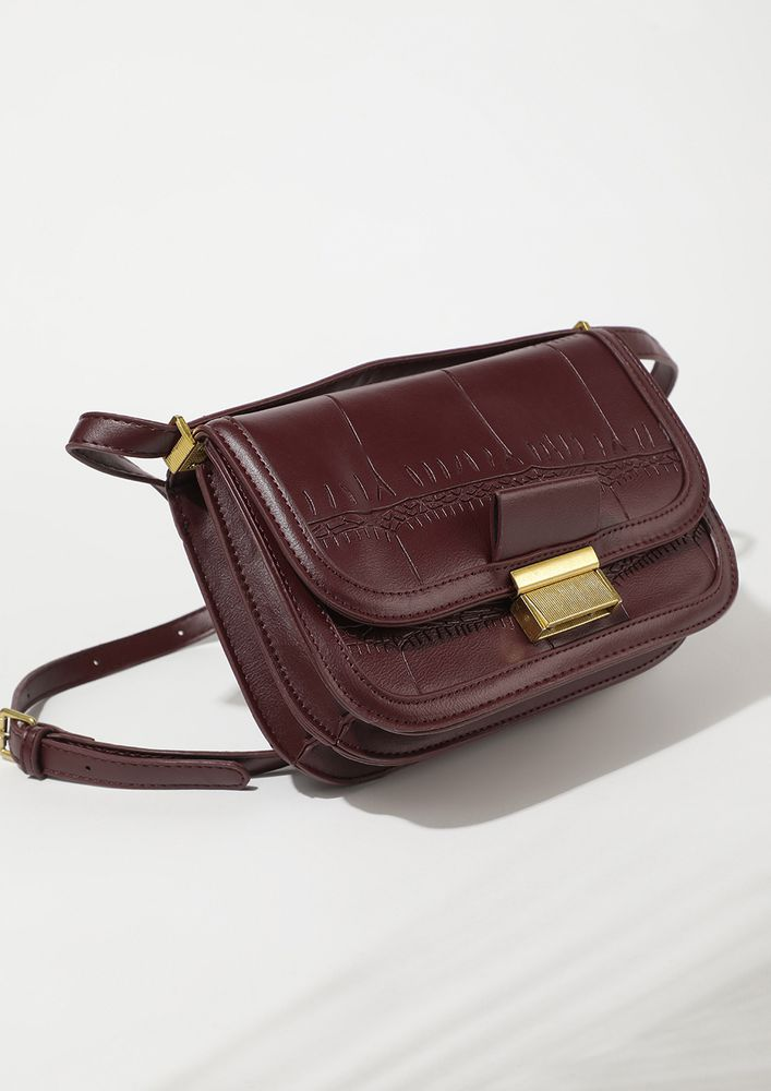 SPRUCED UP FOR GOOD MAROON SLING BAG