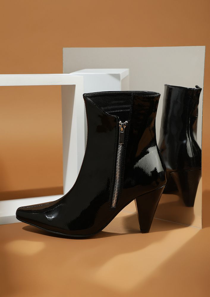 THE FASHION WONK ALERT BLACK ANKLE BOOTS