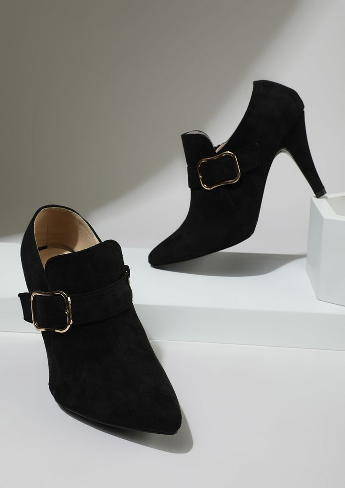 OFFICIALLY TEMPTING BLACK HEELED SHOES
