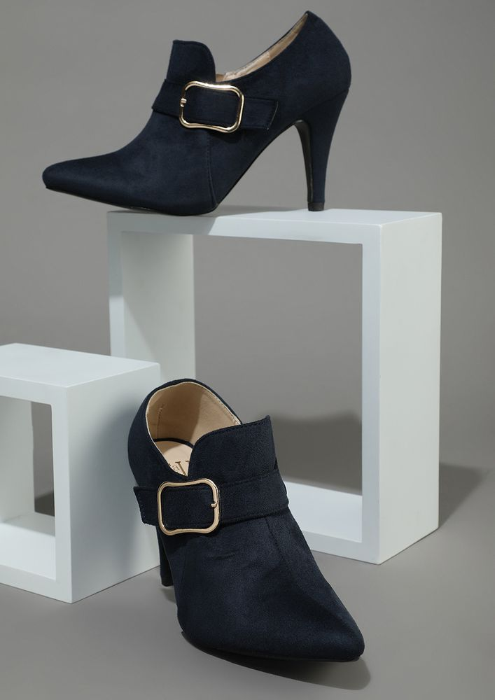 OFFICIALLY TEMPTING NAVY HEELED SHOES