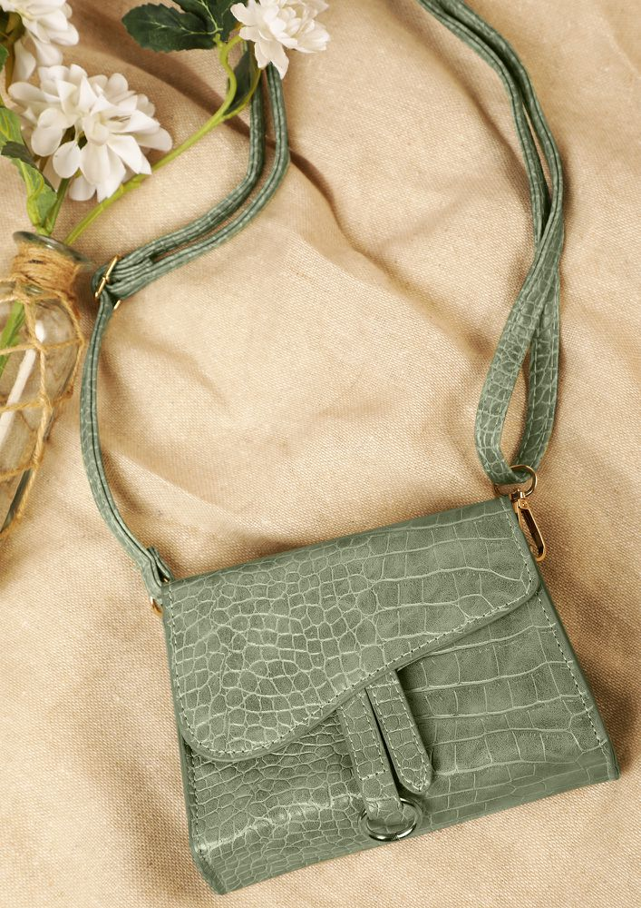 POSH AND SPICY GREEN SLING BAG