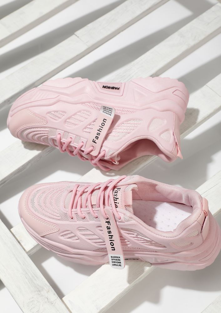 FITNESS MODE ON PINK TRAINERS