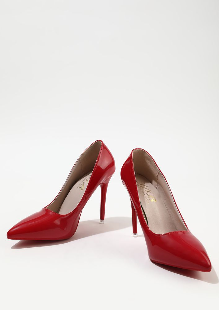 GLIMMERS OF FASHION RED HIGH HEELED PUMPS