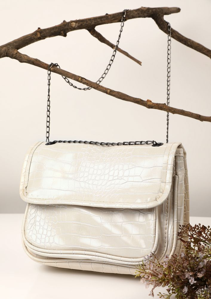 POUCH IT UP WHITE SLING BAG