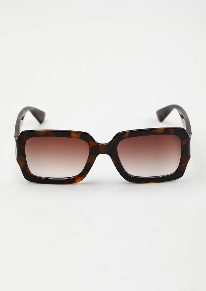 THE OLDIES ARE BACK AMBER BROWN WAYFARERS