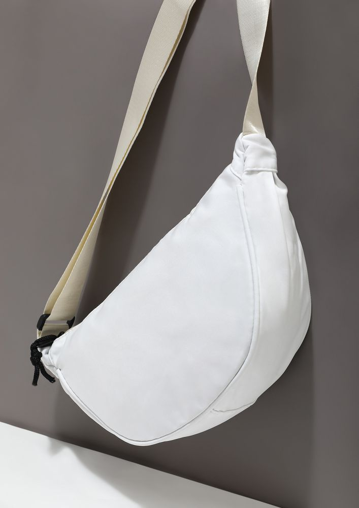 AT THE SIDE ESSENTIAL WHITE FANNY PACK