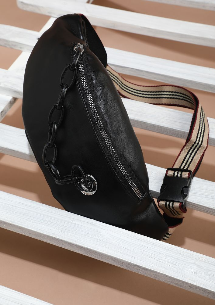 SIDE WITH IT BLACK FANNY PACK
