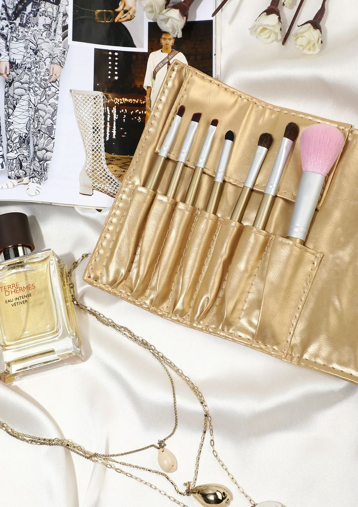 SOPHISTOCATED GOLD MAKEUP BRUSHES- SET OF 7