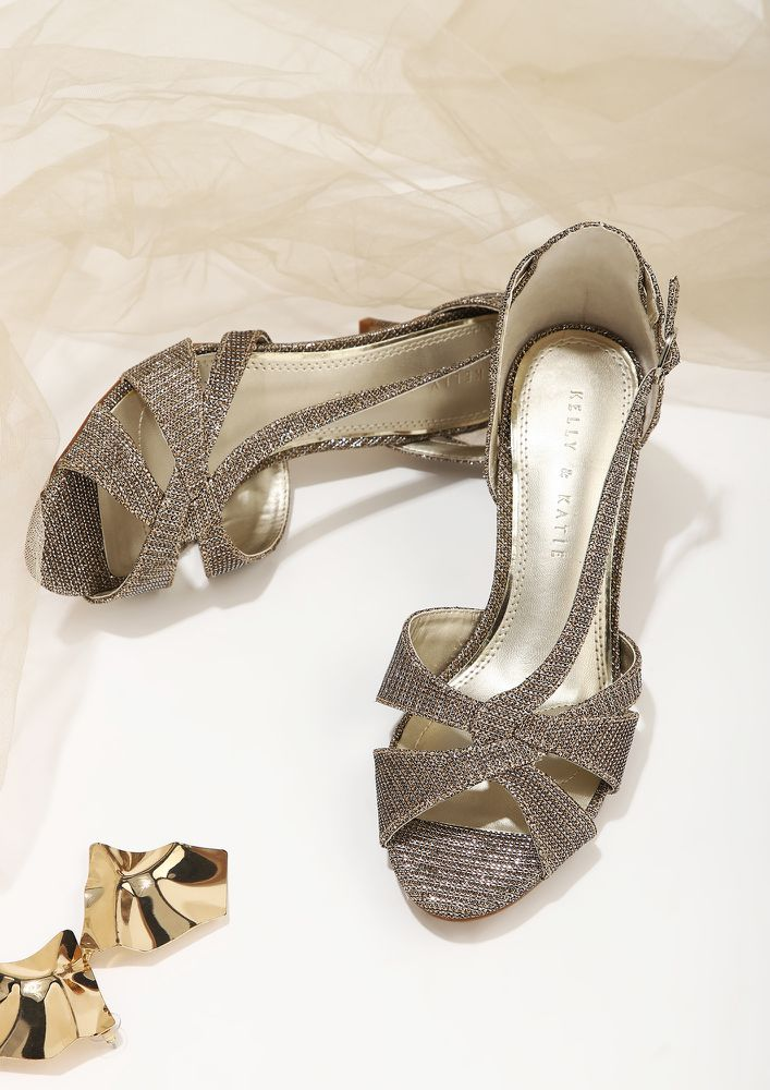 WRAP AROUND YOUR WISHES GOLD SANDALS
