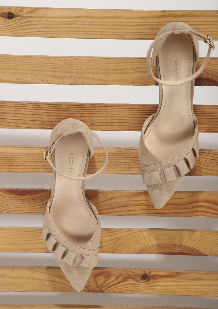 BLING AND BUCKLE BEIGE SANDALS
